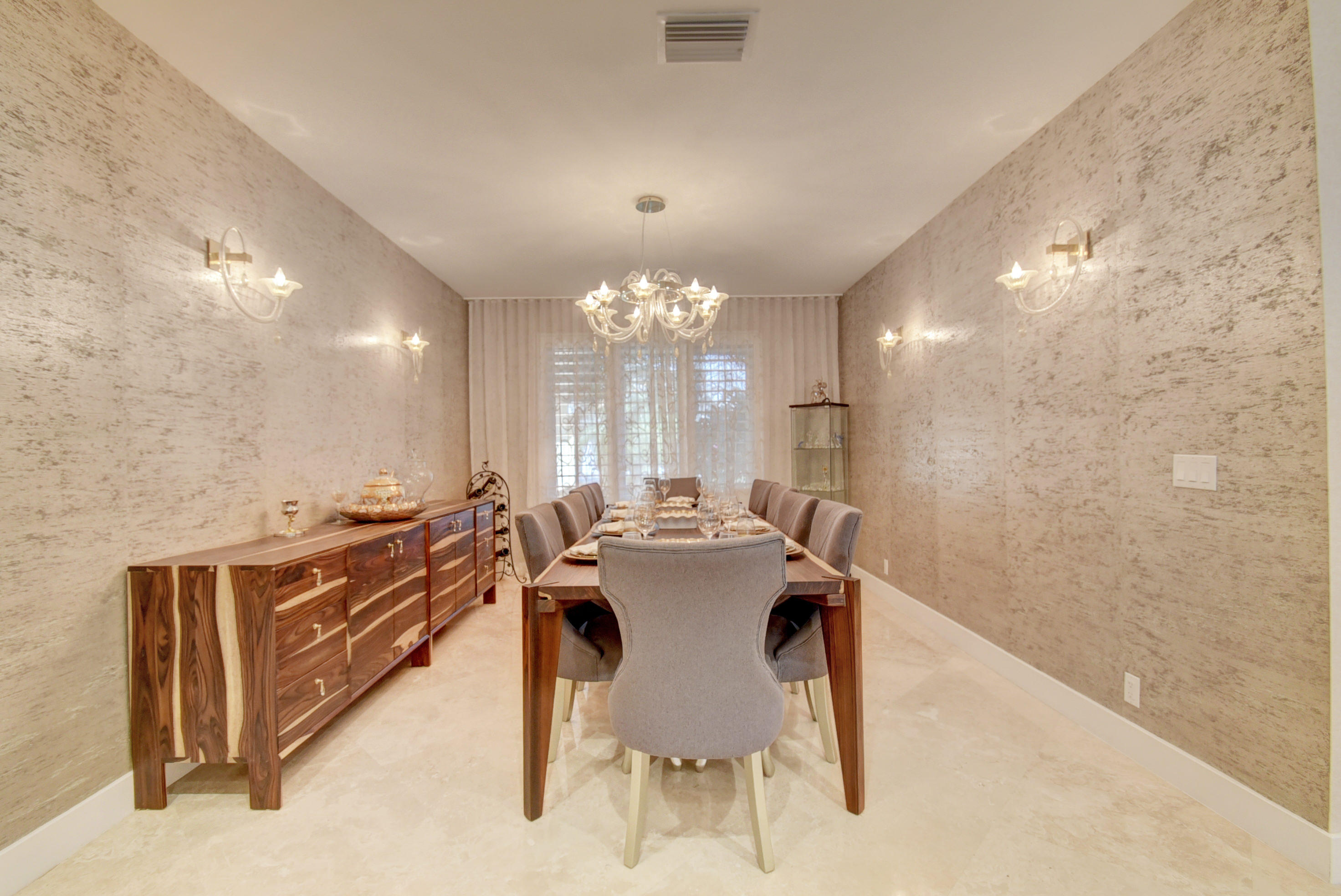 WOODFIELD COUNTRY CLUB REALTY