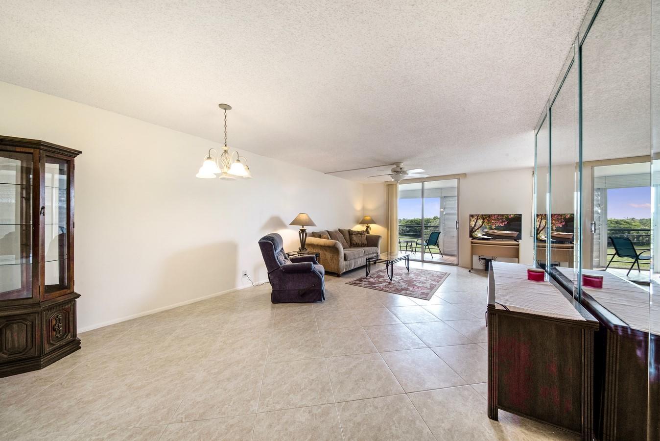 6161 NW 2nd Avenue 422 Boca Raton, FL 33487 photo 2
