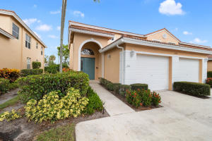 Coral Lakes home 12498 Crystal Pointe Drive Boynton Beach FL 33437