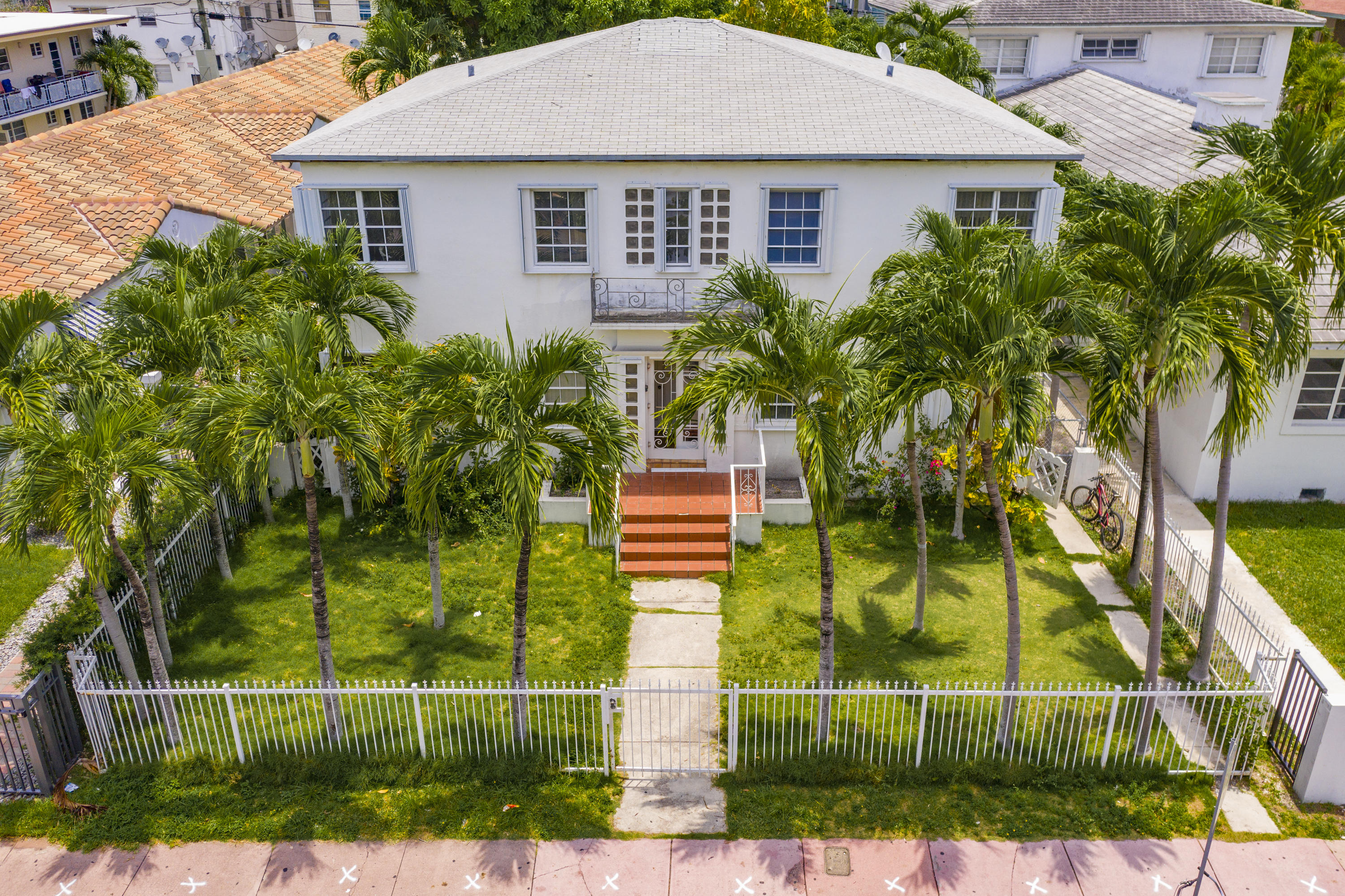 635 Lenox Avenue - Miami Beach, Florida