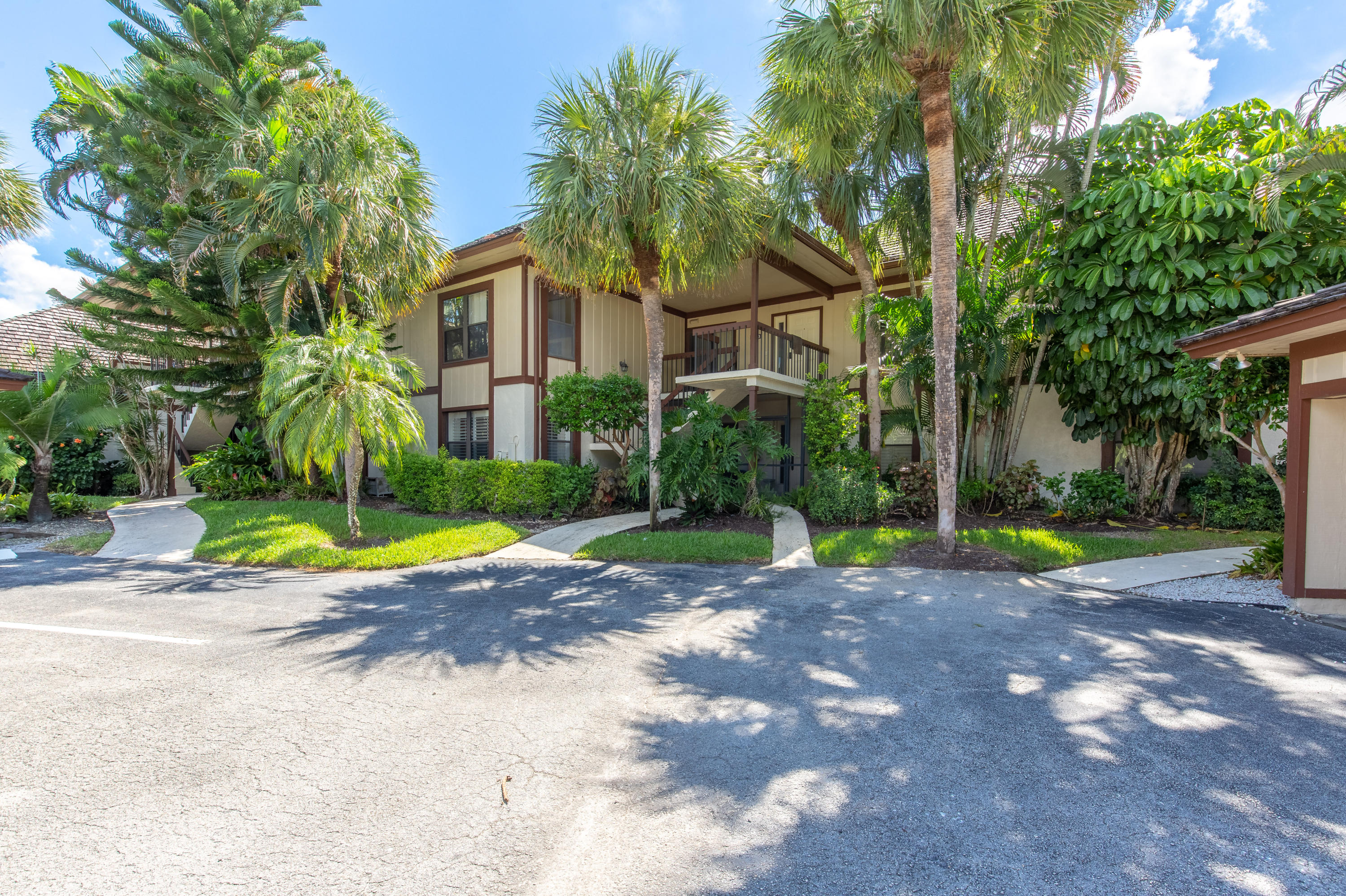 Home for sale in HURLINGHAM CONDO Wellington Florida