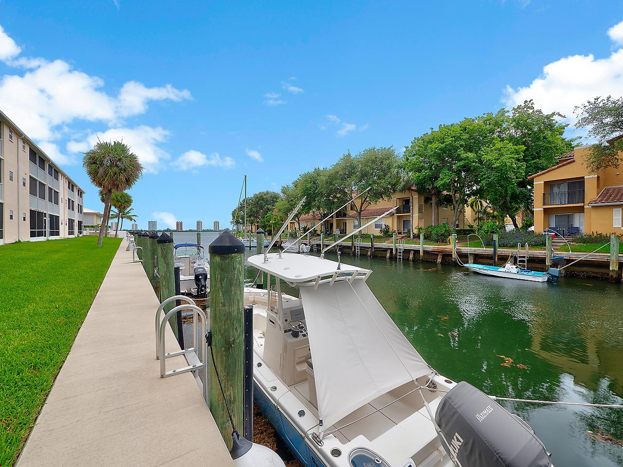 120 Lehane Terrace 211, North Palm Beach, Florida 33408, 1 Bedroom Bedrooms, ,1 BathroomBathrooms,A,Condominium,Lehane,RX-10546988