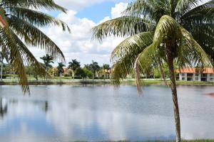 Palm Beach Place Condo