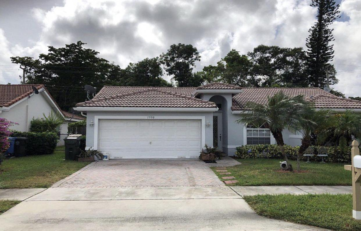 Photo of home for sale at 1990 44th Street NW, Fort Lauderdale FL