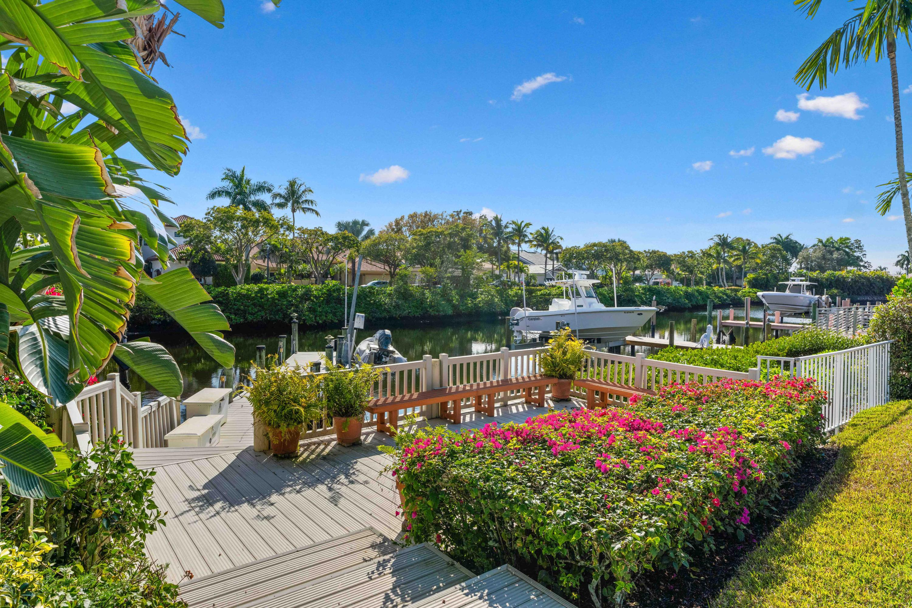 ADMIRALS COVE REALTY