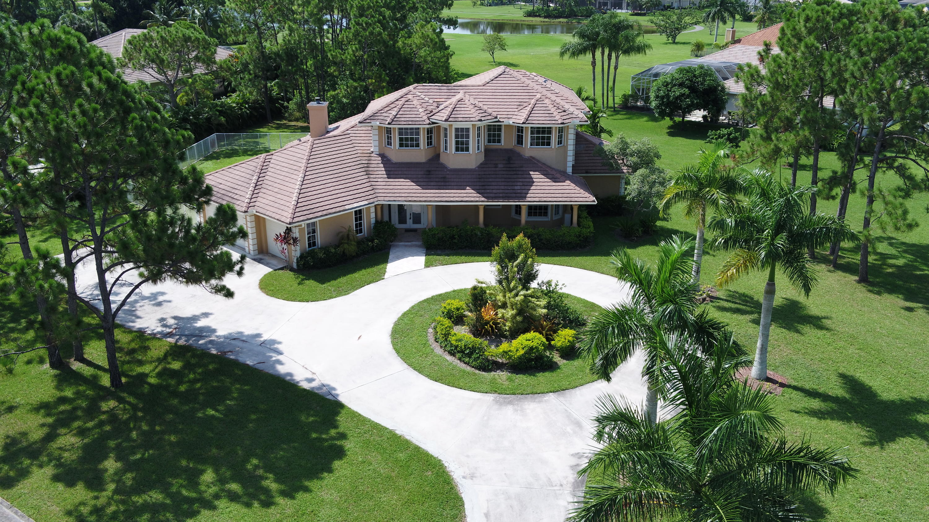 Photo of home for sale at 11790 Stonehaven Way, Palm Beach Gardens FL