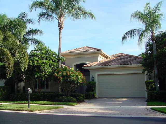 Photo of home for sale at 4097 Briarcliff Circle, Boca Raton FL