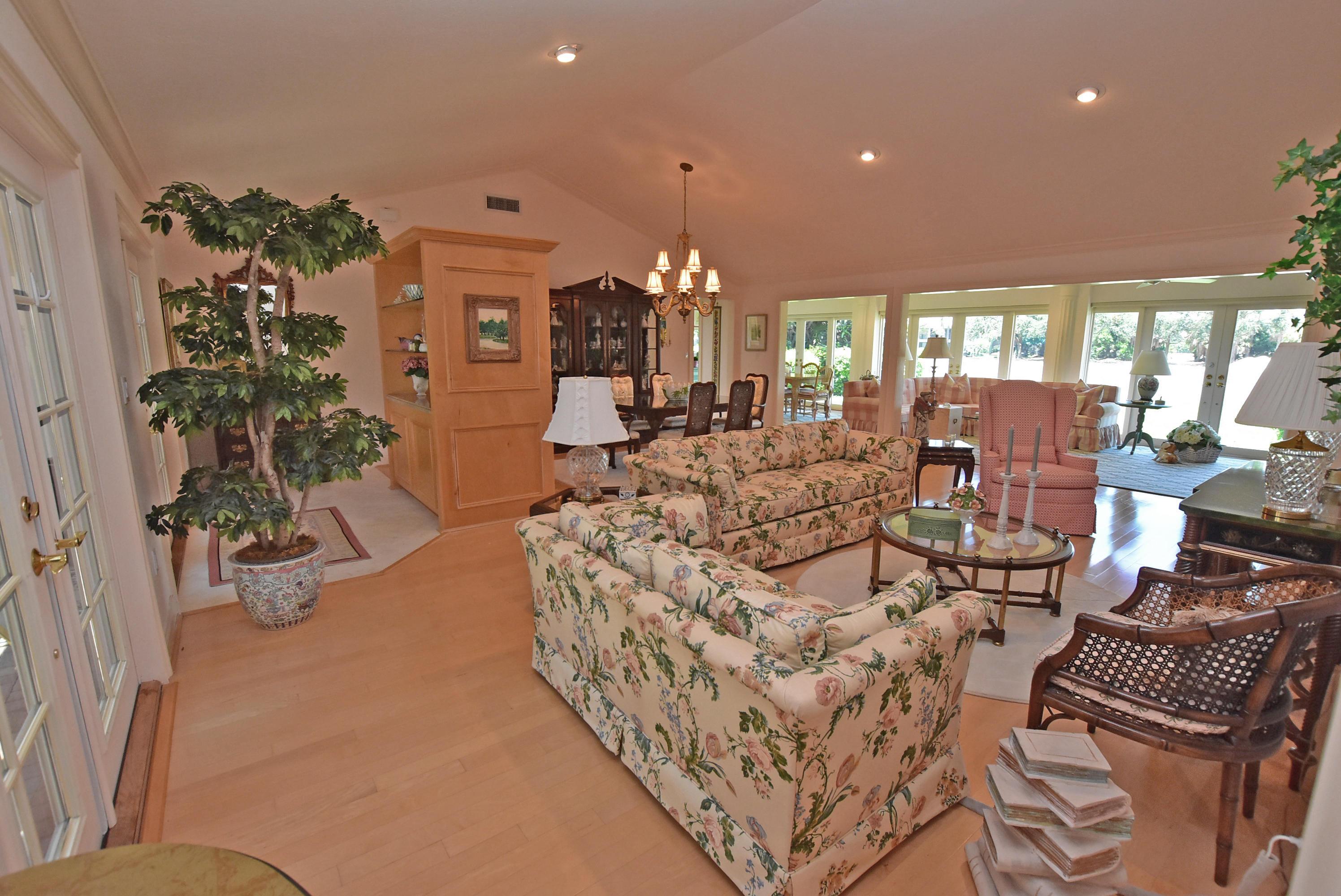 Photo of home for sale at 4024 Shelldrake Lane, Boynton Beach FL