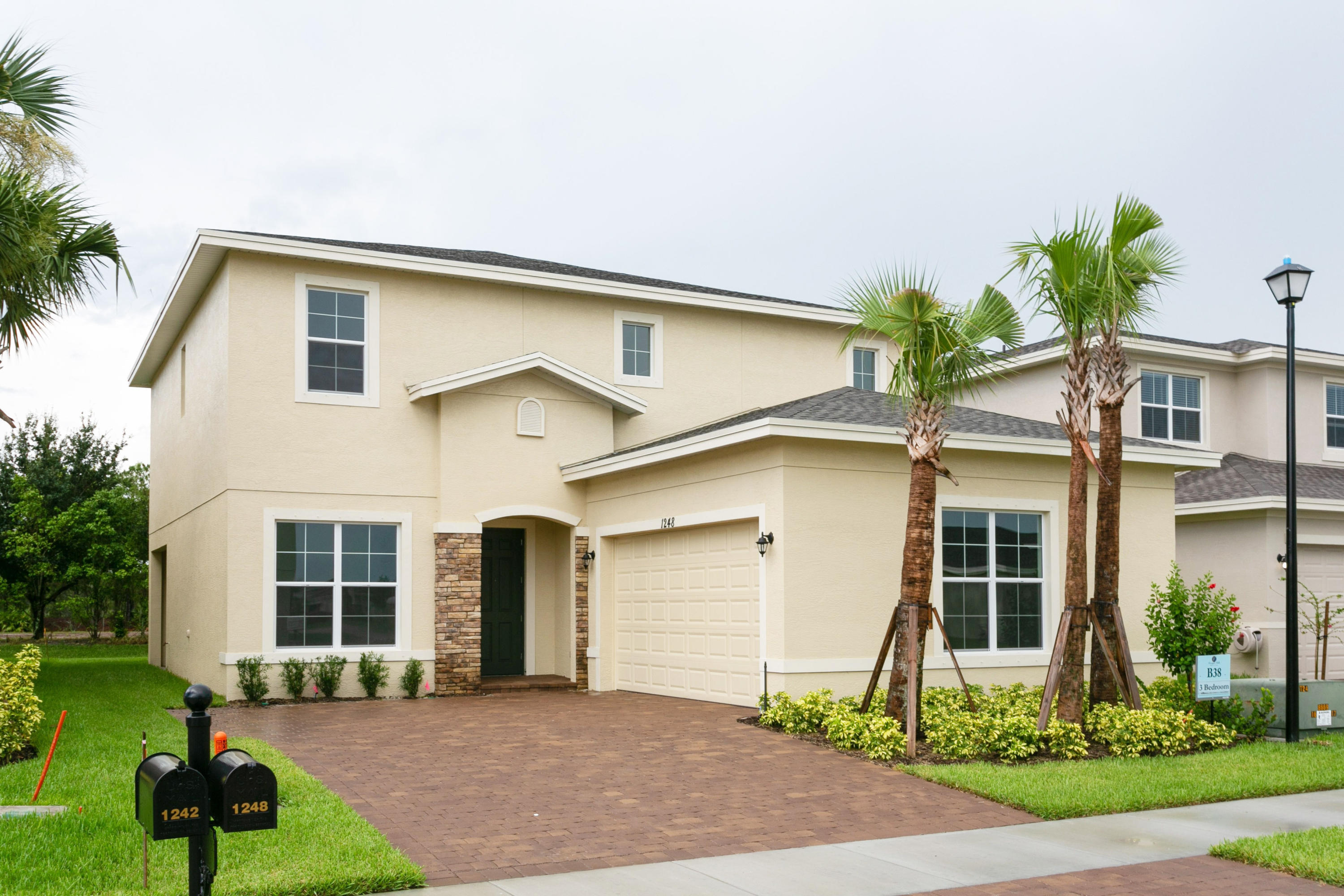 1248 NW Leonardo Circle, Port Saint Lucie, Florida