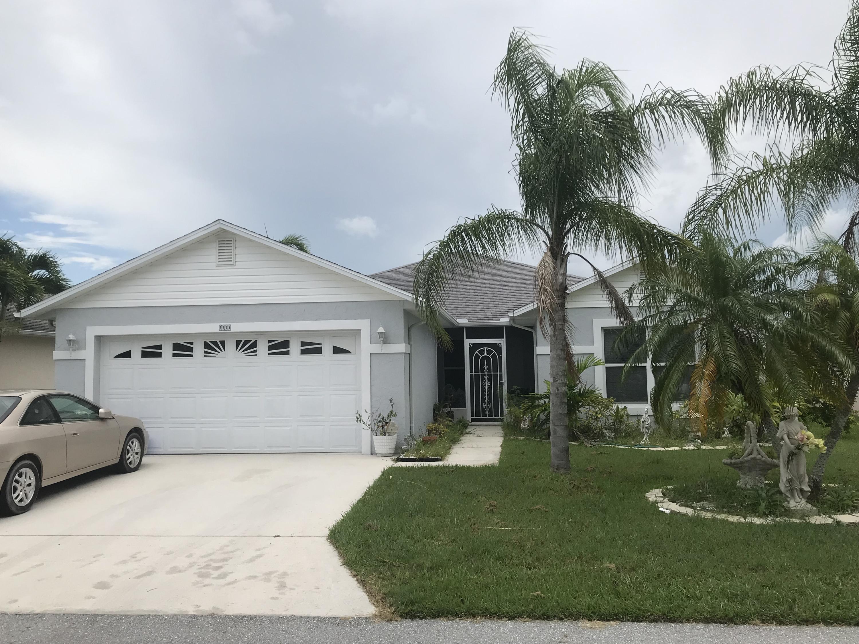 Photo of home for sale at 6633 Gaviota, Fort Pierce FL