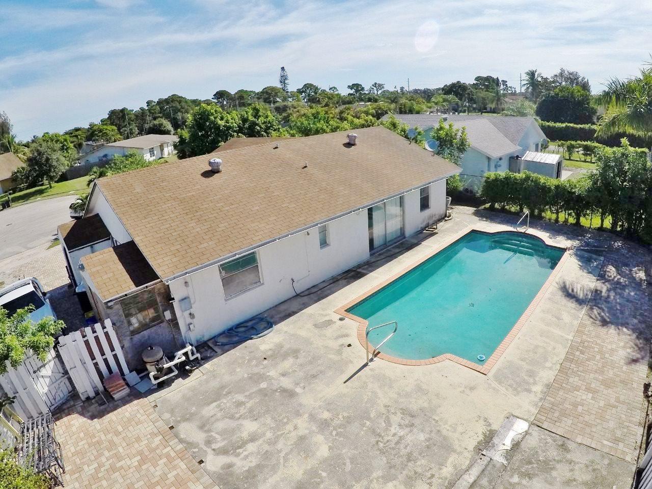 Photo of home for sale at 6502 Cindi Lane, Greenacres FL