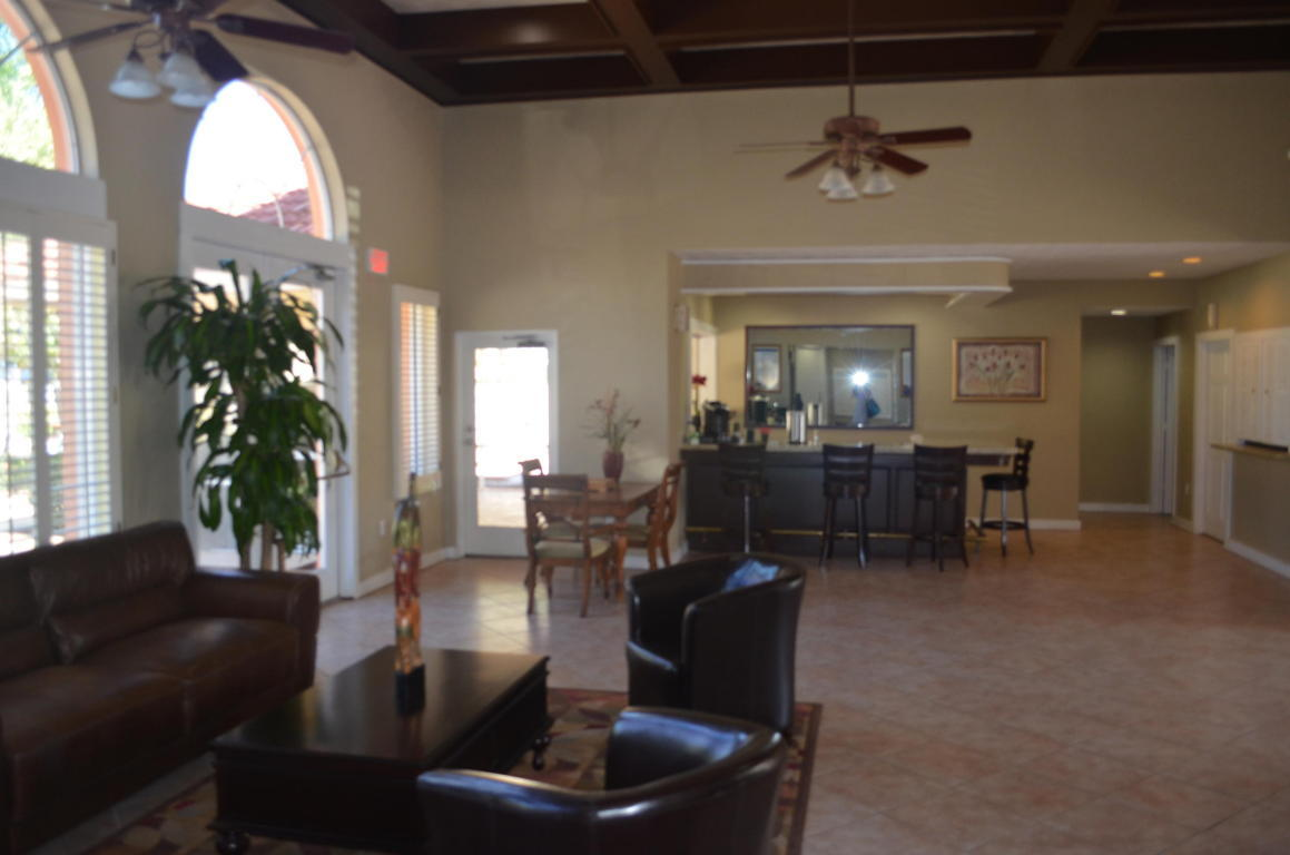 PARADISE COVE AT PALM BEACH LAKES CONDOM HOMES FOR SALE