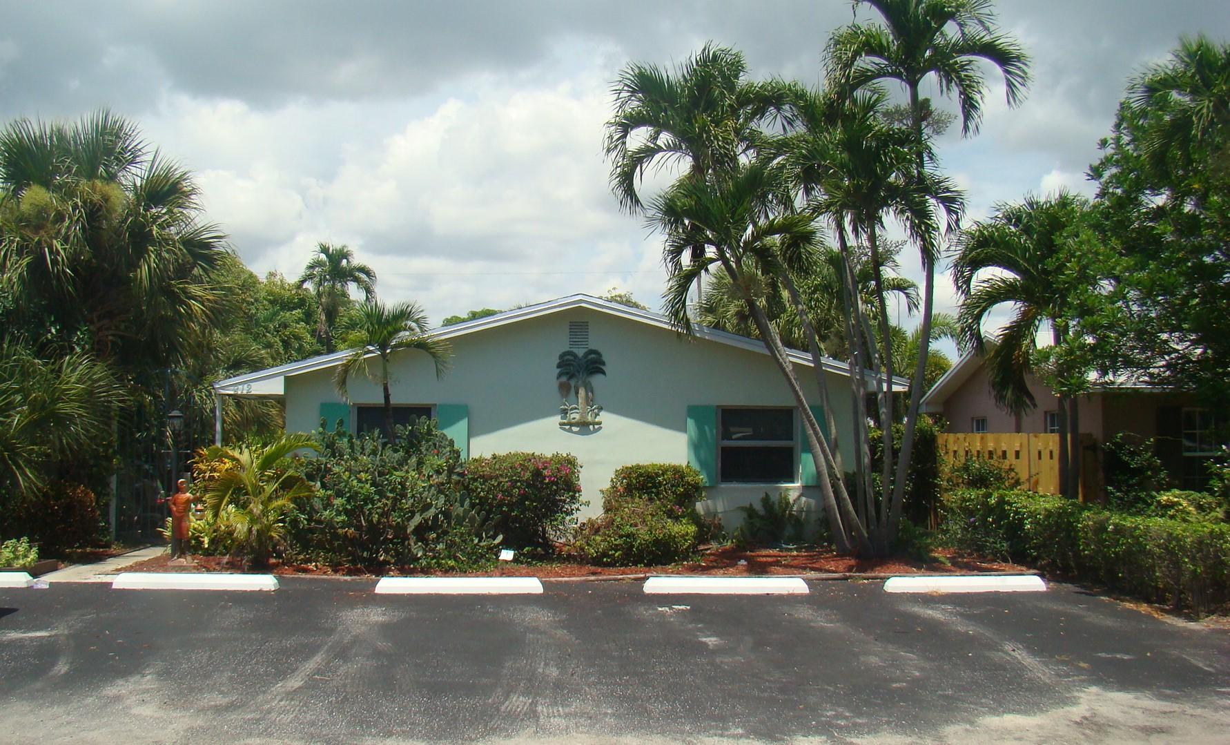 812 NE 8th Avenue  Delray Beach FL 33483