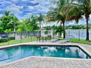 5001  Forest Dale Drive  For Sale 10548074, FL