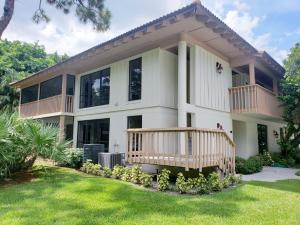 122  Brackenwood Road  For Sale 10549852, FL