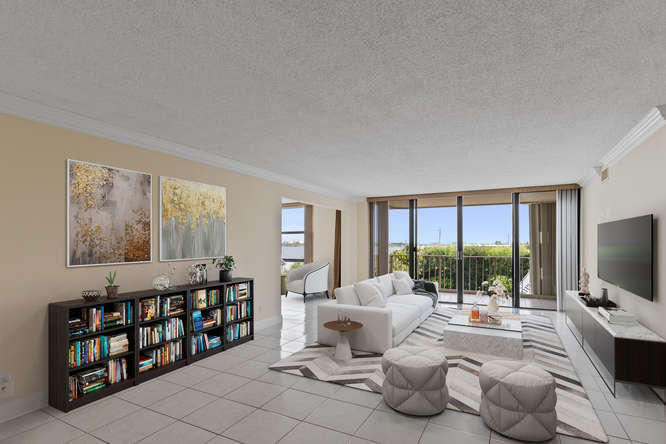 THIRTY TWO HUNDRED CONDO PALM BEACH REAL ESTATE