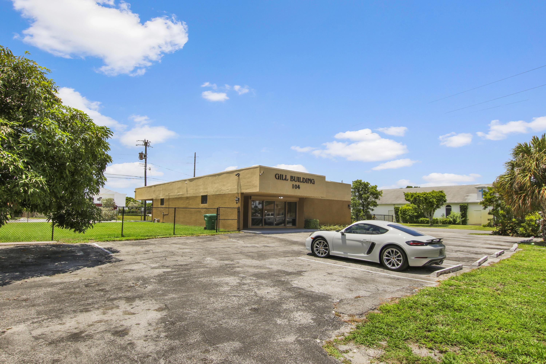 104 SW 11th Avenue  Delray Beach, FL 33444