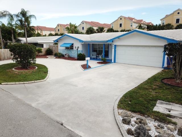644 Las Palmas Park  Boynton Beach, FL 33435
