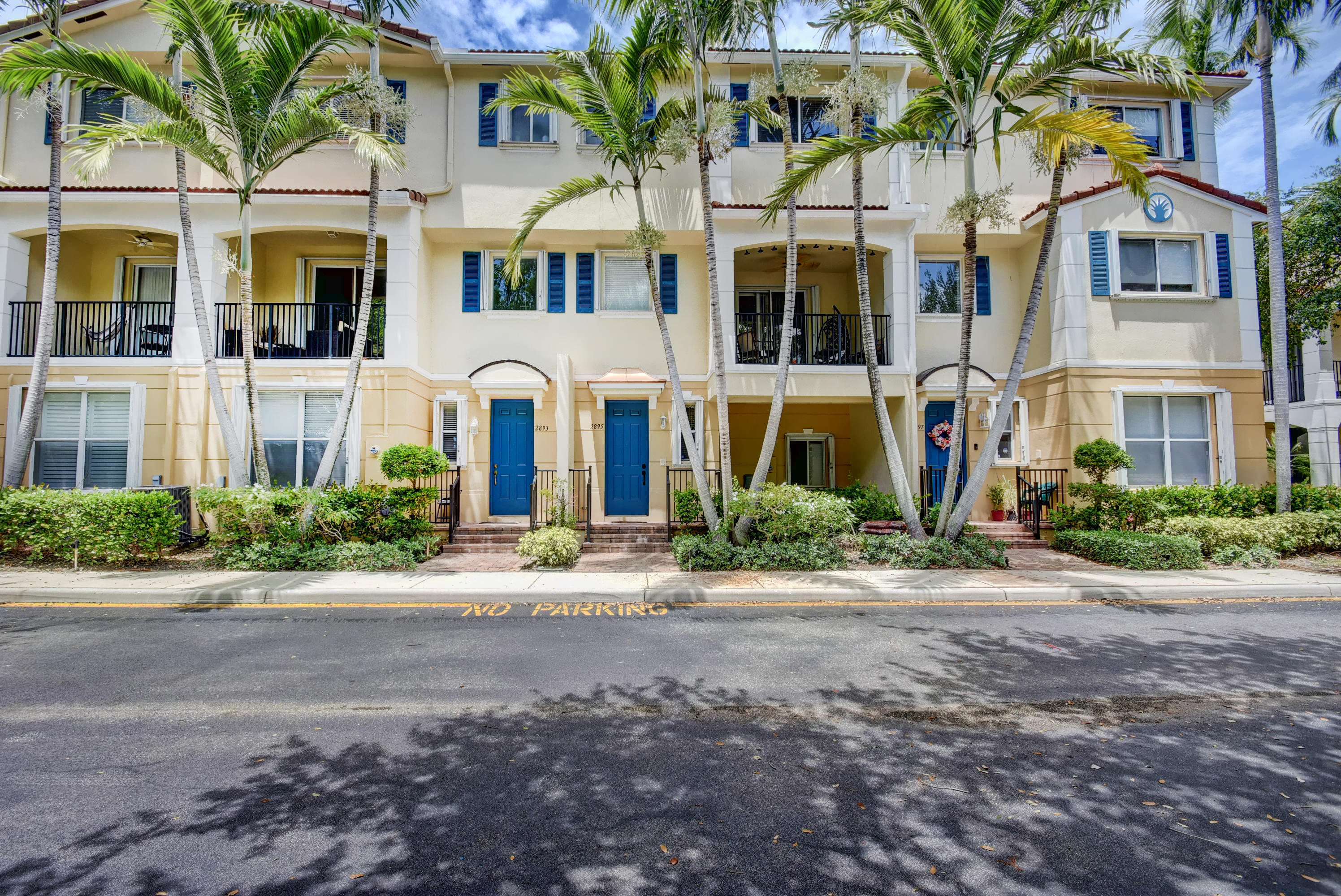 Home for sale in QUANTUM PARK TOWNHOMES, Parkside Square Boynton Beach Florida