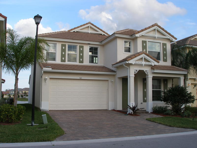 763 Belle Grove Lane Royal Palm Beach, FL 33411