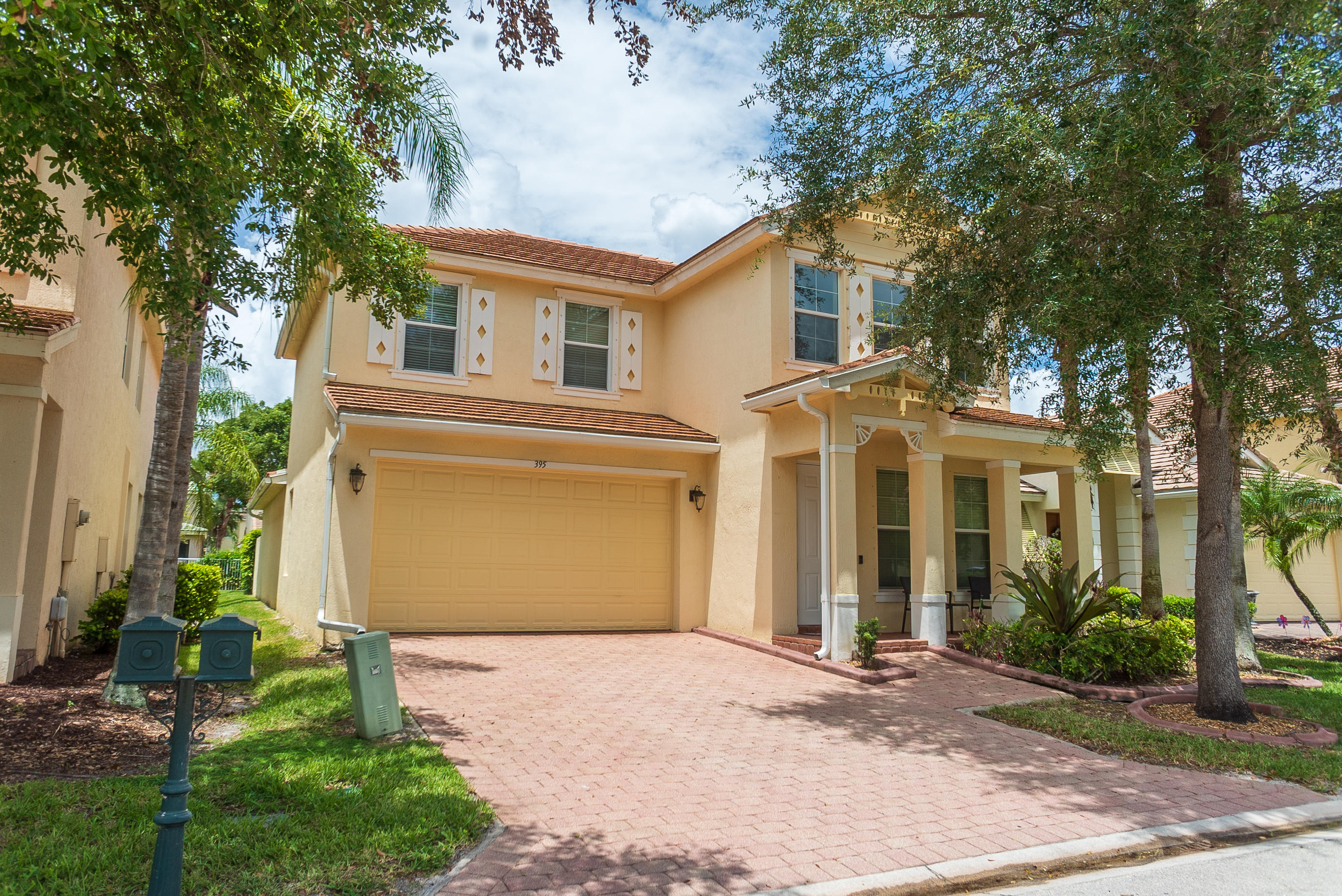 395 Belle Grove Lane Royal Palm Beach, FL 33411