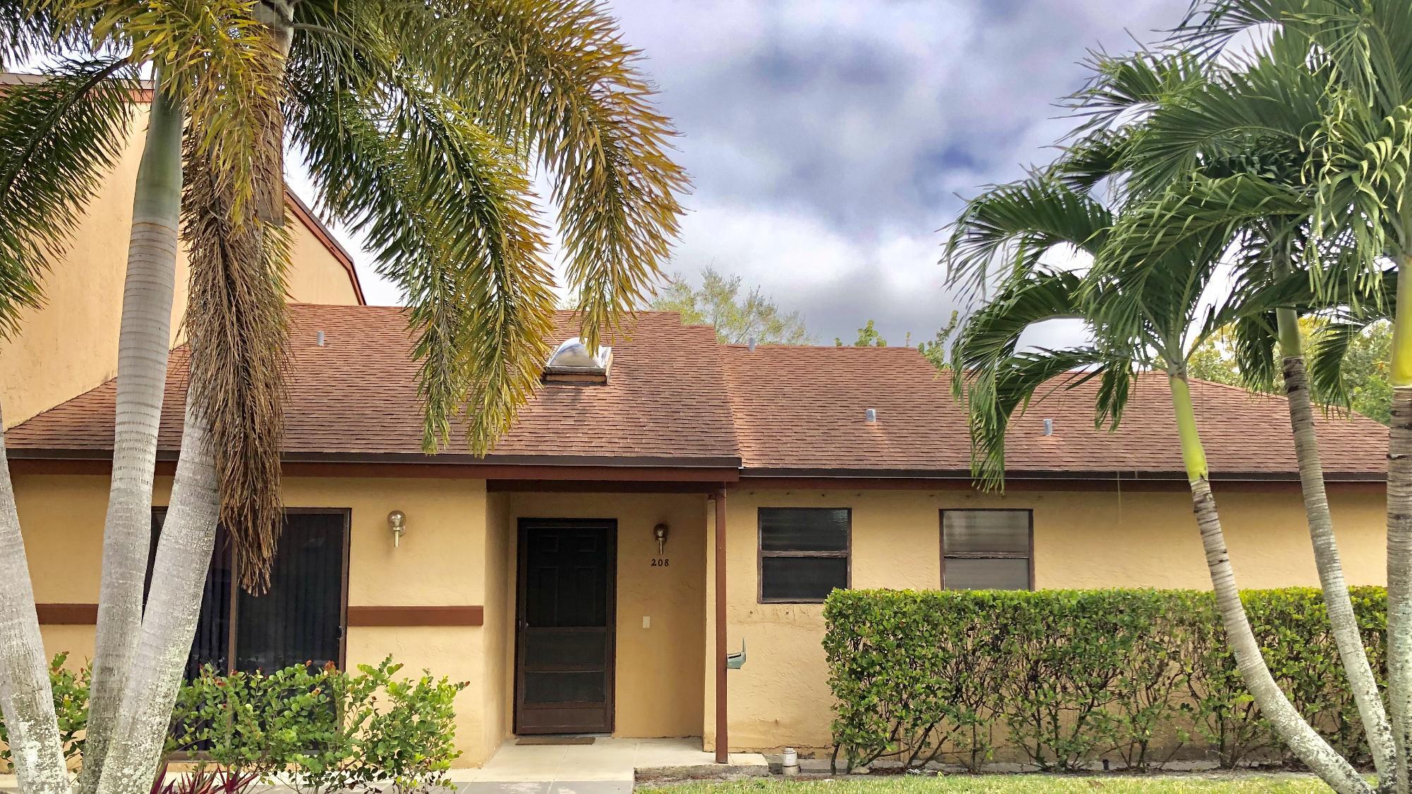 208 Lakeview Drive Royal Palm Beach, FL 33411
