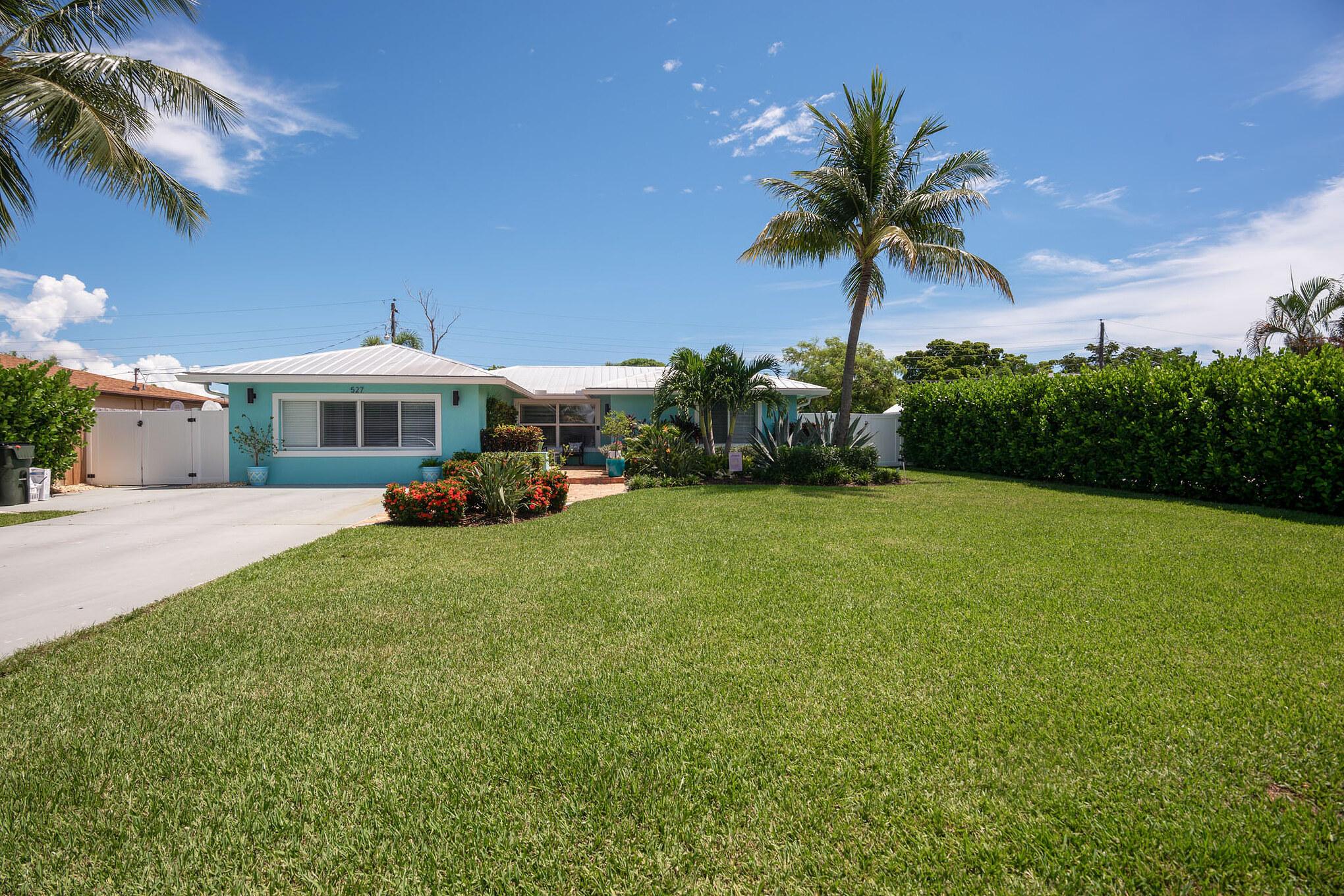 527 Jaeger Drive  Delray Beach FL 33444