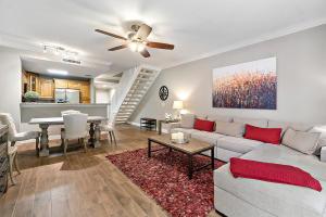 11765  Saint Andrews Place 105 For Sale 10551594, FL