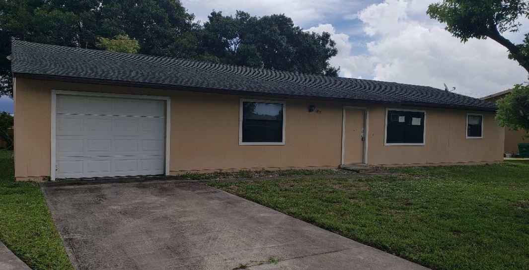 1833 SW Mcallister Lane, Port Saint Lucie, Florida