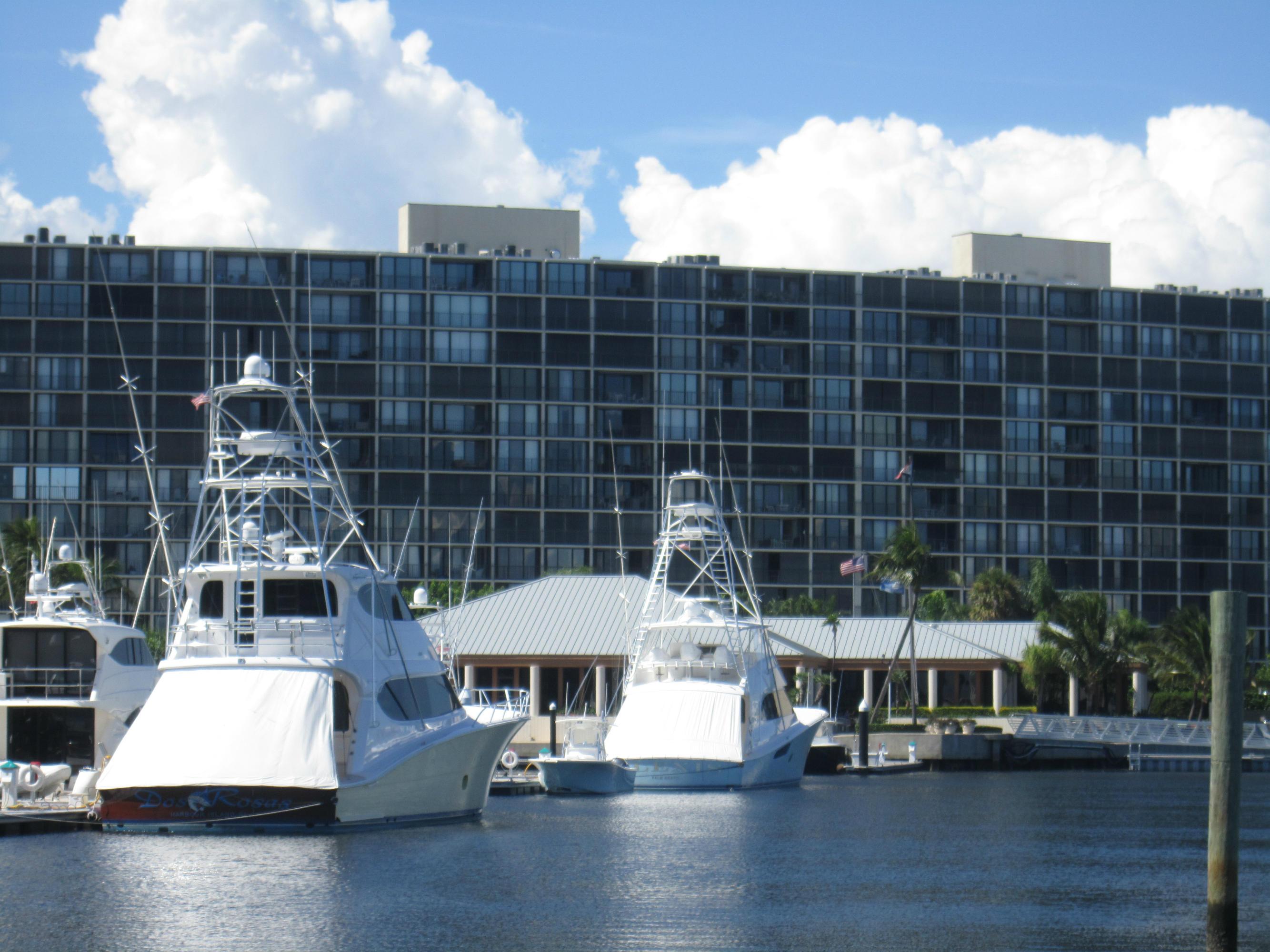 126 Lakeshore Drive 225, North Palm Beach, Florida 33408, 2 Bedrooms Bedrooms, ,2 BathroomsBathrooms,F,Condominium,Lakeshore,RX-10551810