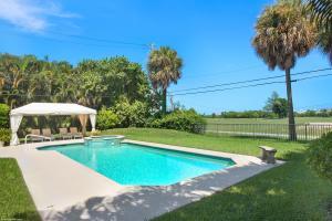 328 N Lakeside Drive  For Sale 10551832, FL
