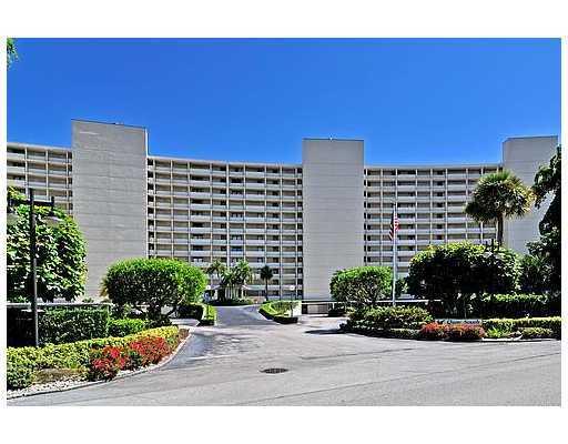 126 Lakeshore Drive 225, North Palm Beach, Florida 33408, 2 Bedrooms Bedrooms, ,2 BathroomsBathrooms,A,Condominium,Lakeshore,RX-10551872