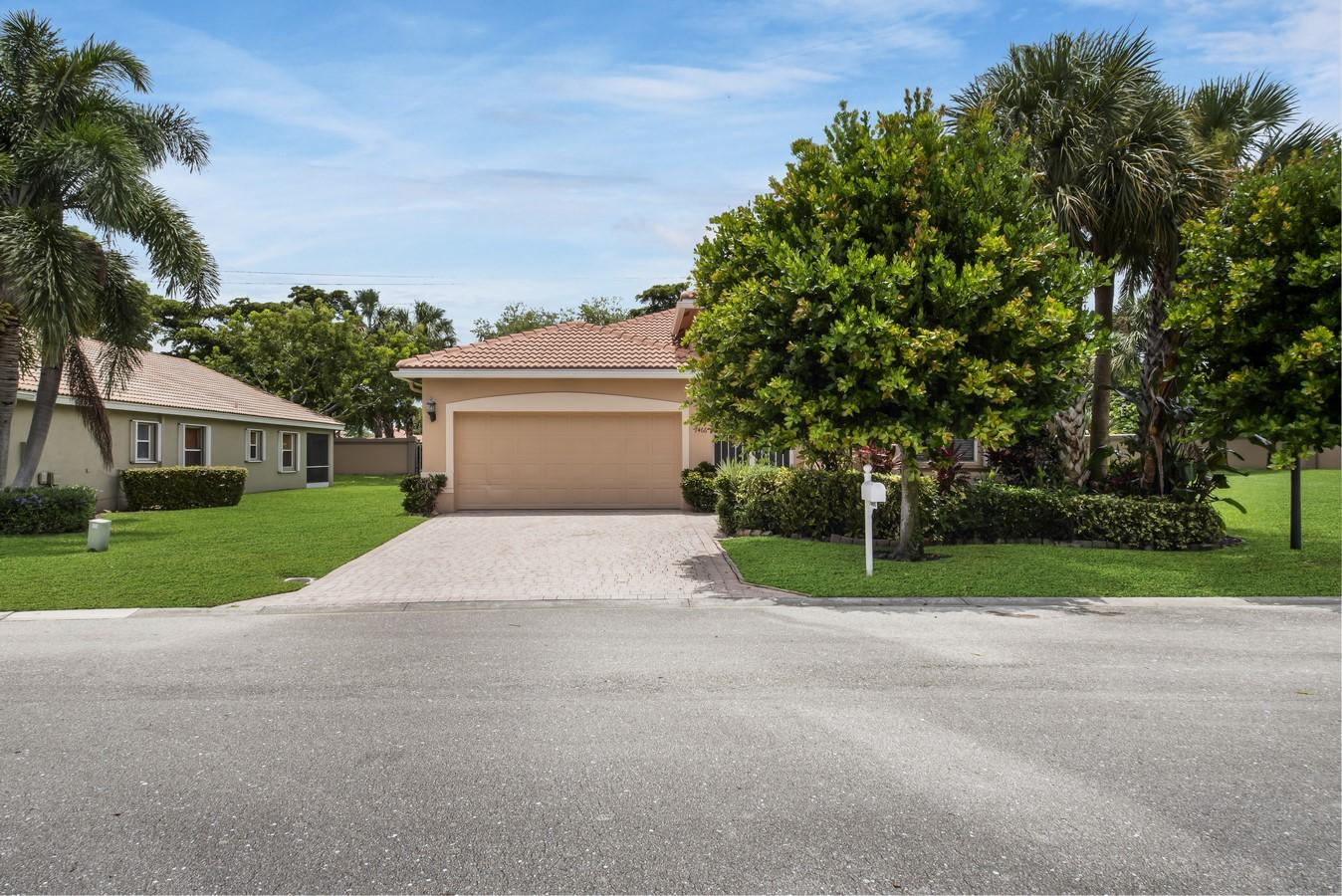 7466 Viale Caterina Delray Beach, FL 33446 photo 2