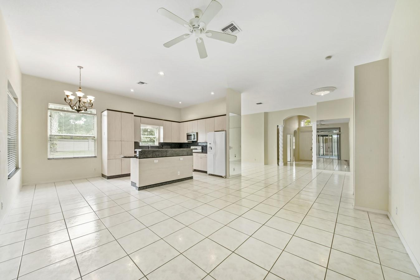 7466 Viale Caterina Delray Beach, FL 33446 photo 8