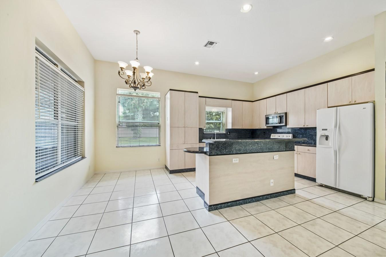 7466 Viale Caterina Delray Beach, FL 33446 photo 9