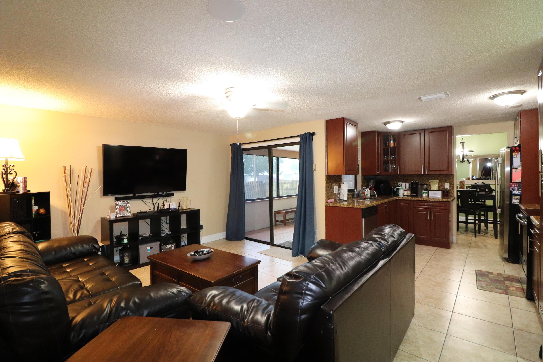 100 Morgate Circle West Palm Beach, FL 33411 photo 4