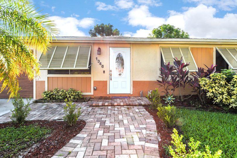 1346 Donwoods Lane Royal Palm Beach, FL 33411 photo 3