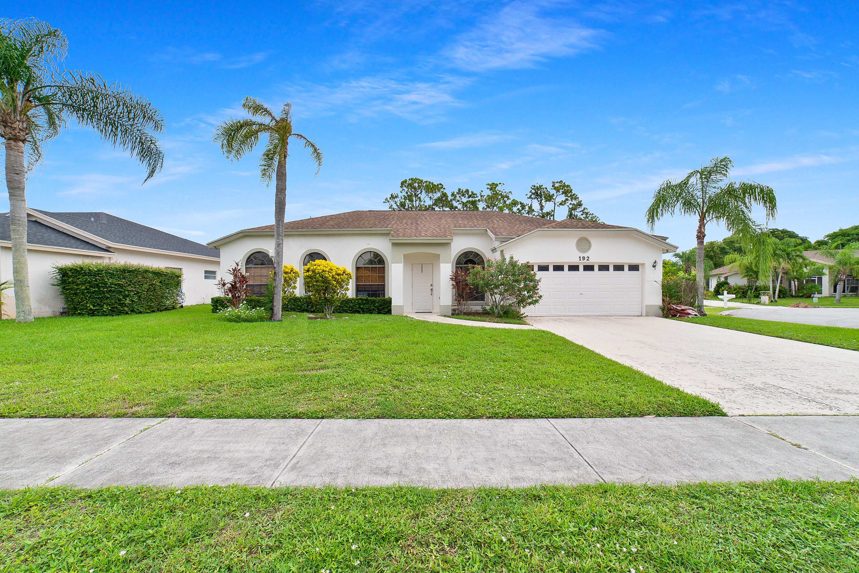 192 Gulfstream Circle Royal Palm Beach, FL 33411 photo 2