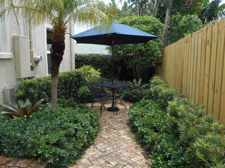230 Lytton Court West Palm Beach, FL 33405 photo 5