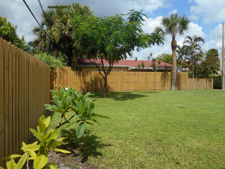230 Lytton Court West Palm Beach, FL 33405 photo 6