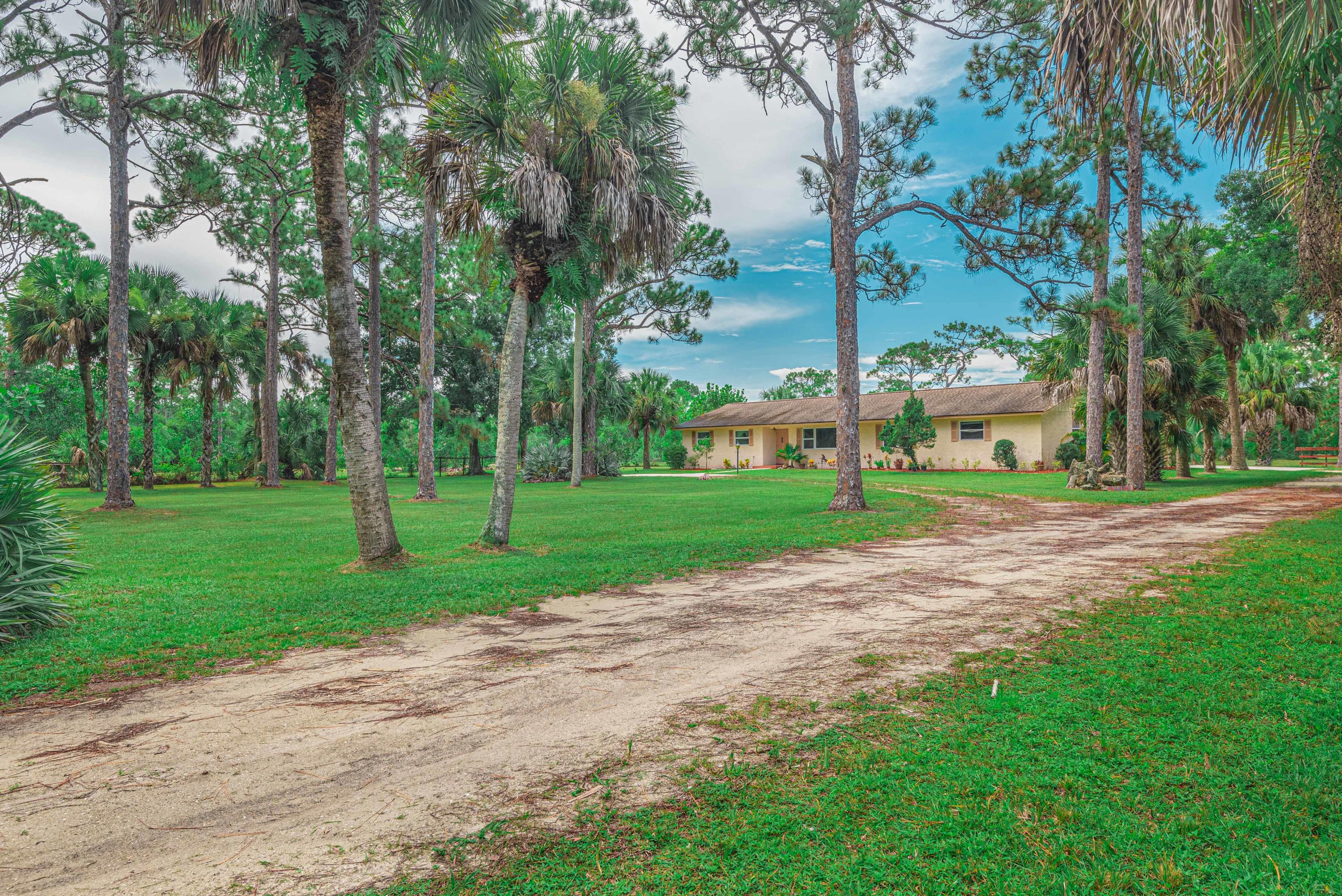 Photo of 17472 Rocky Pines Road, Jupiter, FL 33478