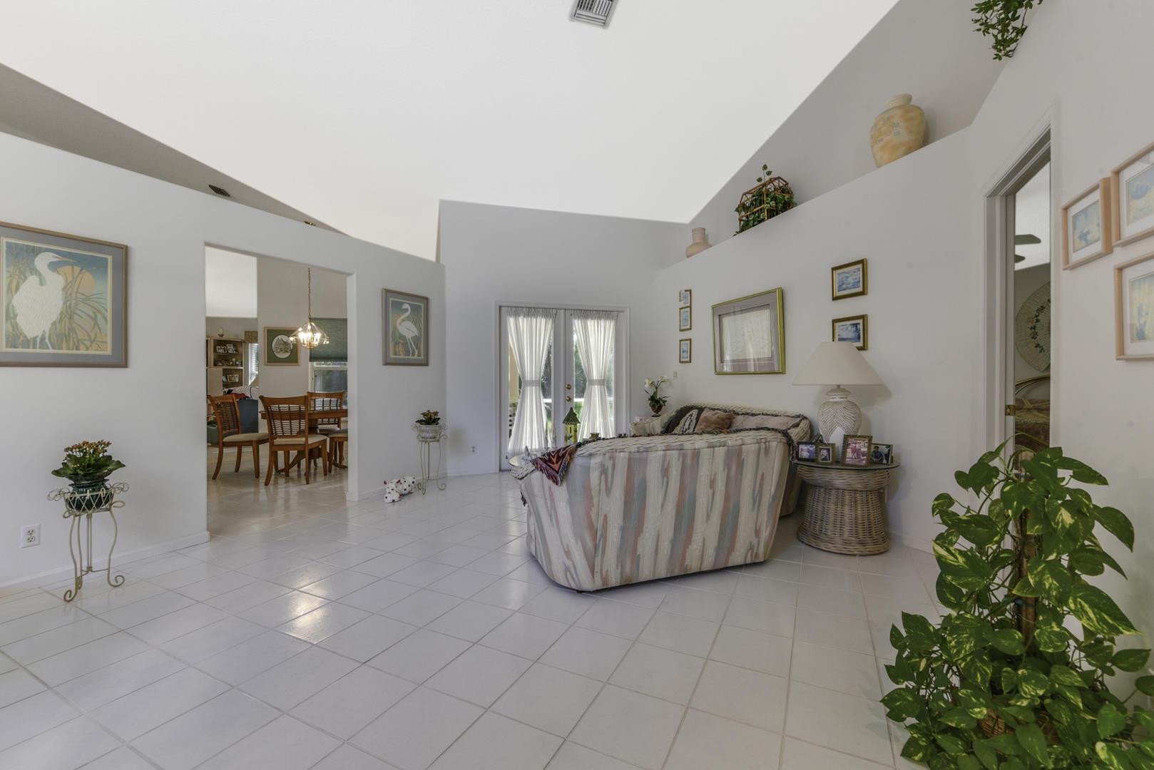 113 Cypress Trace Royal Palm Beach, FL 33411 photo 4