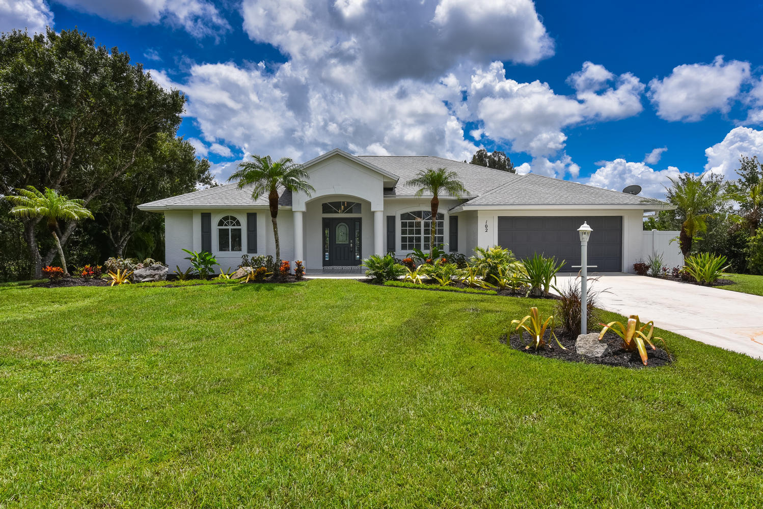102 SE Ashley Oaks Way, Stuart, Florida