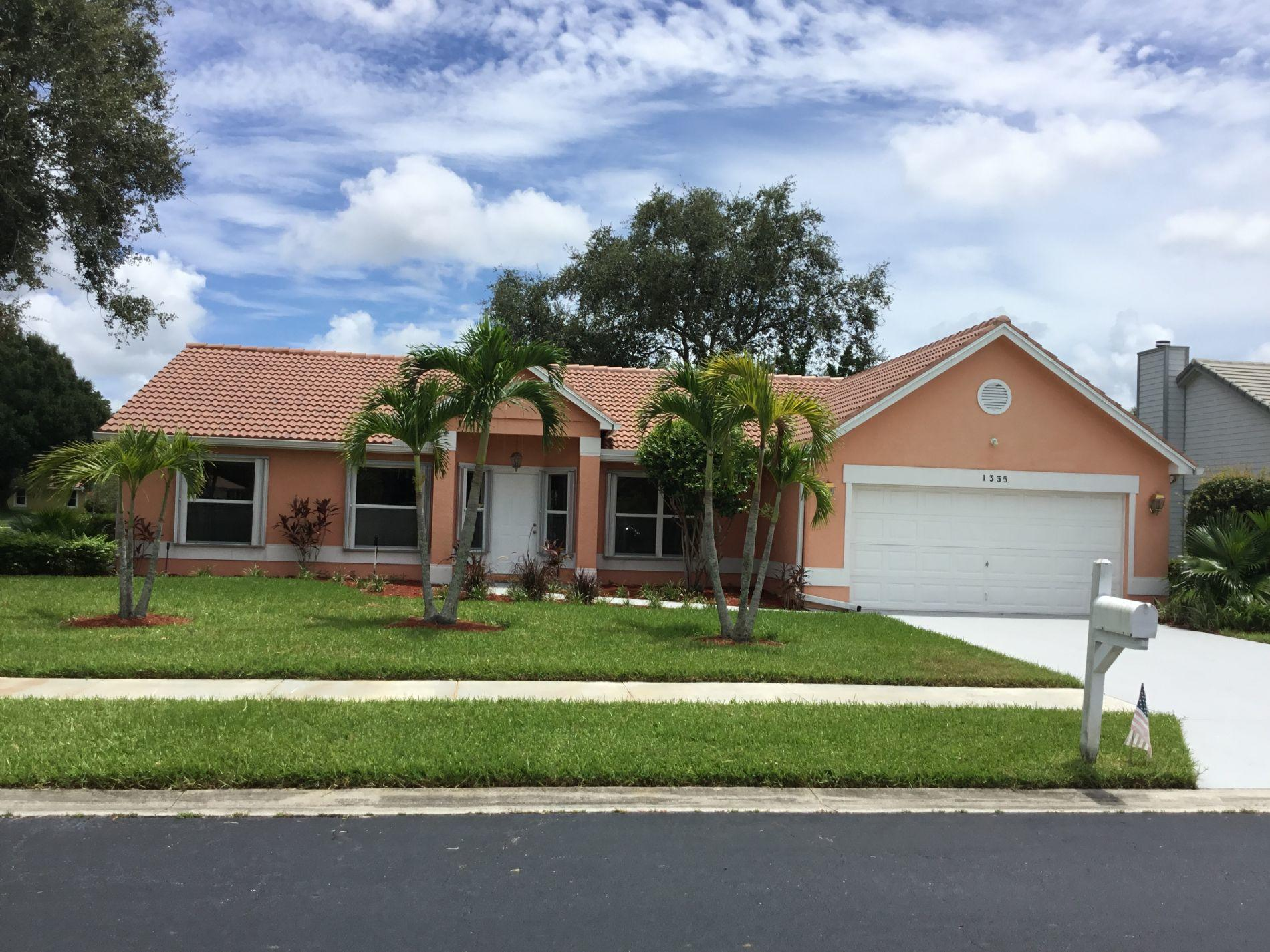 1335 SW Sandalwood Cove Port Saint Lucie, FL 34986