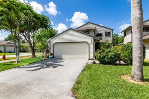 2458  Bedford Mews Drive  For Sale 10552898, FL