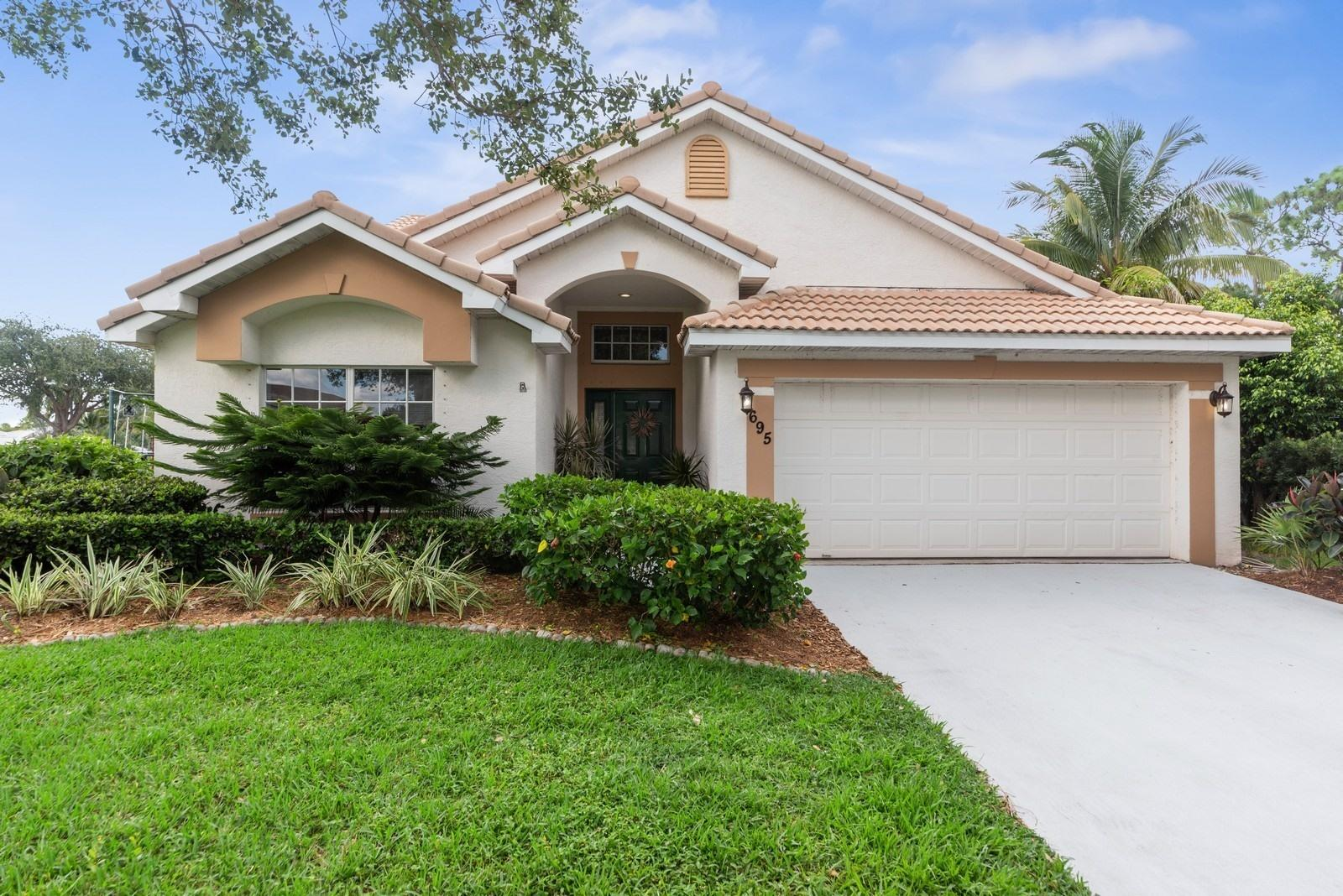 695 Enfield Court, Delray Beach, Florida 33444, 4 Bedrooms Bedrooms, ,3 BathroomsBathrooms,Single Family Detached,For Sale,Enfield,RX-10553910