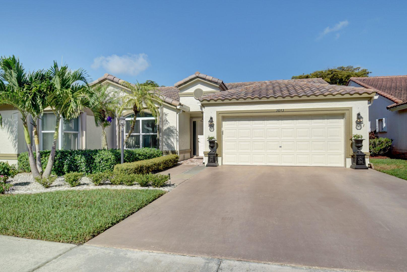 Home for sale in Summer Chase/cypress Wood 2 Lake Worth Florida