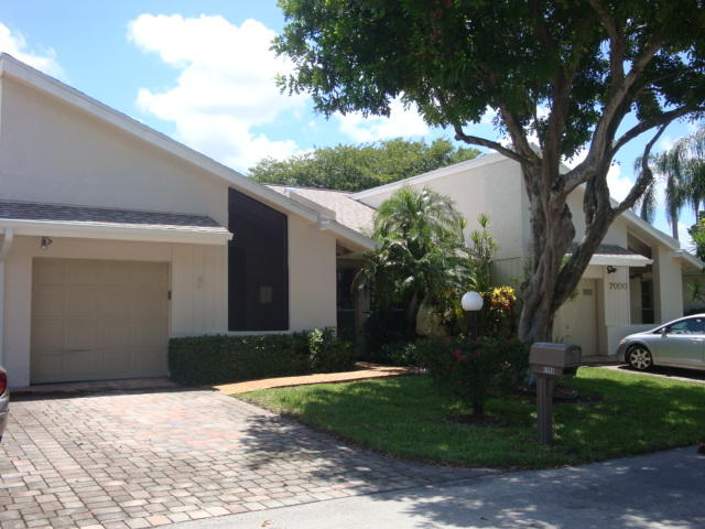 6998 Quince Lane Lake Worth, FL 33467 photo 1