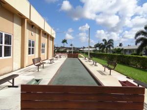 Cresthaven Villas Cond 21