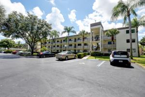 Watersedge At The Lakes Of Delray Condo